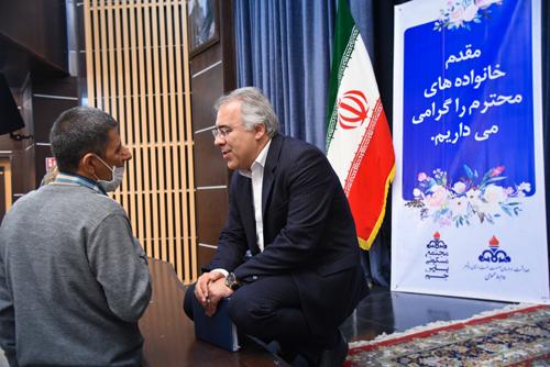 دیدار دکتر مالکی رئیس بهداشت و درمان صنعت نفت بوشهر با خانواده ها 5